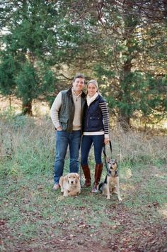 An Eno River State Park Family Session with Dogs | Photo: Allison Mannella