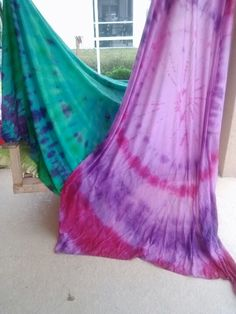 DIY Tie Dye Curtains -- learn how to make your own striped tie dye curtains in any color of the rainbow. Diy Tie Dye Curtains, Tie Dye Bedroom, Basement Bedrooms, Baby Makes, Crib Sheets, Tye Dye, New Room, Rainbow Colors, Party Time