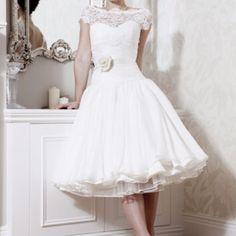Short wedding dress #short #wedding #dress g loves this one best. @Sabrina Matos