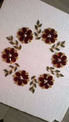Rangoli Rangoli Designs Flower, Rangoli Ideas, Diwali Diy, Diwali Craft, Diy Diwali Decorations, Festival Decorations, Crafts To Do, Bead Crafts, Arti Thali Decoration