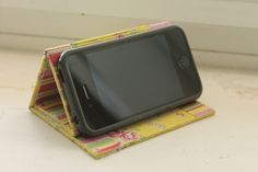 DIY iPhone Stand: No-Sew!