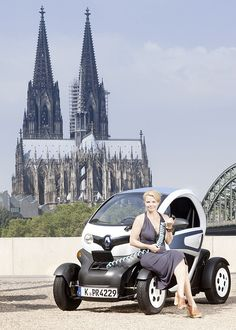 Annette Frier – friert im Renault Twizy…