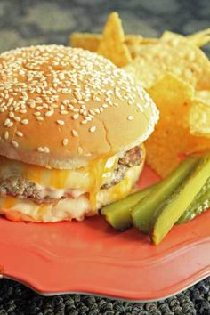 These Oven Baked Cheeseburgers will have your guest begging for more. Serve these up all year long with your favorite toppings and a side of […] Hamburger Recipes, Ground Beef Recipes, Meat Recipes, Cooking Recipes, Hamburger Dishes, Cheese Recipes, Oven Baked Burgers, Baked Turkey Burgers, Lunches