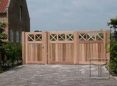 Houten poort model 18.10A uitgevoerd in western red ceder. Dubbele vleugel met inkomdeur waar een brievenbus is ingewerkt. Locatie: Turnhout, Antwerpen