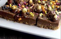 Απίστευτα και γευστικά τετράγωνα cheesecake nutella που περιμένουν να τα δοκιμάσετε ! Nutella, Fererro Rocher, Dessert Recipes, Desserts, Cheesecake, Food, Tailgate Desserts, Deserts, Cheesecakes