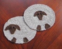 A Sheep's Mug Mat free pattern on blog.