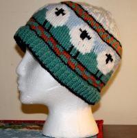 Encircling Ewe Hat  <  free PDF