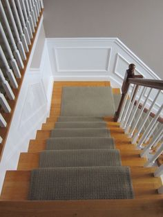 Stair runner and landing- would look better with a border