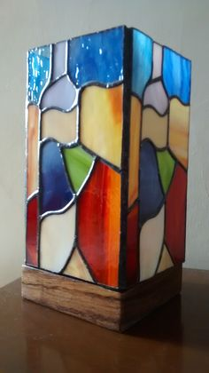 Faux Stained Glass, Stained Glass Designs, Stained Glass Panels, Stained Glass Projects, Stained Glass Patterns, Stained Glass Lamp Shades, Glass Painting Designs, Tiffany Glass, Wood Glass