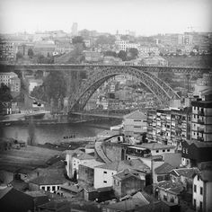 Bom dia #porto #goodmorning #day #bridge #view #spring #enjoyinglife #capture #moment #instapic #instamood #instagood #street #urban #douro #bnw #blackandwhite #tbt #fun #happy #life #photo #instafontes by insta.fontes