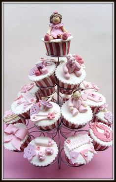 Baby Girl Cupcakes- such a great idea for talas first bay