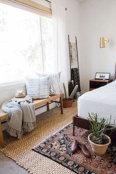 master bedroom makeover using california casual eclectic design style with west elm bed parachute home bedding masterbedroom modernbedroom eclecti Master Bedroom Makeover, Bedroom Inspo, Home Decor Bedroom, Bedroom Rugs, Modern Bedroom, Decor Room, Trendy Bedroom, Bedroom Ideas, Eclectic Bedrooms