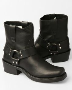 Are you having difficulties finding the quintessential pair of men's Rockabilly shoes? Rockabilly Shoes, Rockabilly Party, Rockabilly Fashion, Rockabilly Style, Greaser Style, Mat Fashion, Rock Style, Men's Style, Stylish Boots