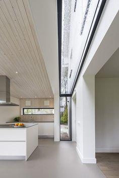 Interior Design For Living Room Modern Interior, Home Interior Design, Interior Architecture, Roman Architecture, Skylight Design, Dream House Interior, Roof Design, Minimalist Home, Modern House Design