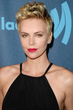 Charlize Theron attends the Annual GLAAD Media Awards presented by Ketel One and Wells Fargo at JW Marriott Los Angeles at L. LIVE on April 2013 in Los Angeles Charlize Theron Short Hair, Charlize Theron Photos, Celebrity Pixie Cut, Mad Max, Pixie Hairstyles, Pixie Haircuts, Textured Hair, Short Hair Cuts, Pixie Cuts
