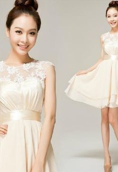 Champagne coloured short dress. I'm not sure this highwaisted-short skirt style suits me, but I like it a lot.