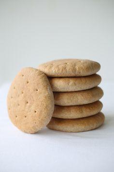 Sunnere polarbrød | Maria salt og søtt Whole Wheat Flour, Dry Yeast, Dish Towels, Salt, Homemade, Dishes, Baking, Breakfast, Desserts