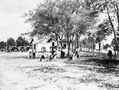 Florida Memory - Golfers gathered at the Chicago County Club - Valparaiso, Florida     192-