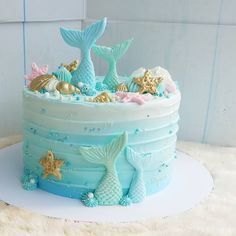 Mermaid Birthday Cake for a Birthday Party Little Mermaid Cakes, Mermaid Birthday Cakes, Little Mermaid Birthday, Sirenita Cake, Ocean Cakes, Beach Cakes, Cupcake Cakes, Cupcakes, Mermaid Baby Showers