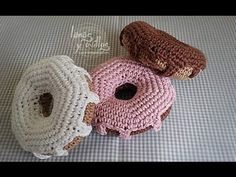▶ Tutorial Donut Crochet Doughnut - YouTube - This video is in Spanish.