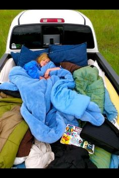 This would be such a fun date, I would love going somewhere on a warm summer night and stargazing.