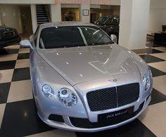 Cars & Life | Cars Fashion Lifestyle Blog: Bentley Continental GT V8 vs W12 | #PinItForwardUK