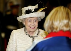 Queen Elizabeth II Photo - The Royal Family Visits Baker Street 11