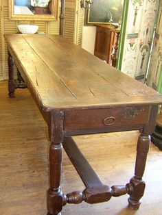 17th century french oak dining table....I'd like this in my kitchen for extra work space...
