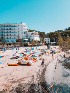 So schön ist die Cala Santanyi im Südosten Hotels, Dolores Park, Spain, Street View, Beaches, Travel, Del Mar, Blue Flag, Deep Blue Sea