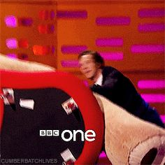 THE GRAHAM NORTON SHOW (November 27, 2015) ~ Benedict Cumberbatch [GIF]