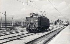 Locomotora aislada fotografiada en Puigcerdà por Ramón Pont en agosto de 1973