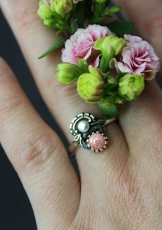 Ring Jutta Rosa getragen Gemstone Rings, Gemstones, Silver, Jewelry, Pink Jewelry, Dirndl, Rhinestones, Valentines Day, Jewlery