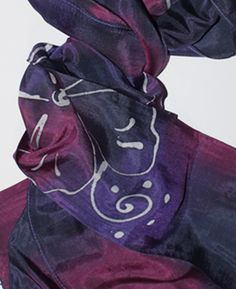 Hodvábna šatka fialová cierna viacfarebná dúhová|hodvabne satky|kašmír|velky vyber hodvabu|velky vyber kasmirovych salov|prikryvky na postel|outlet