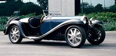 1933 Bugatti Type 55 roadster - The 1932-1935 Bugatti Type 55 was a very exclusive roadgoing version of the small-engined, supercharged Type 51 Grand Prix car. Just 35 Type 55s were produced.