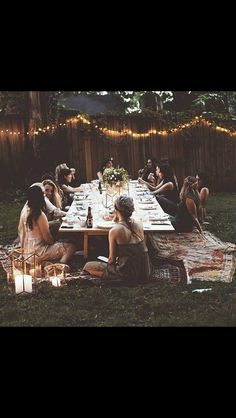 Find summer solstice party ideas including decor, recipes, and flowers on domino. The domino editors share beautiful, bohemian ideas for your summer solstice party. Garden Parties, Boho Garden Party, Backyard Parties, Festival Garden Party, Festa Party, Summer Solstice, Low Key, Outdoor Dining, Rustic Outdoor