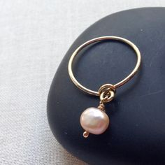 wire wrap stacking ring with pearl - works with any beads. Use up your stash. Free DIY instructions.