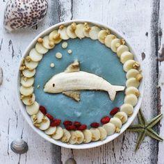 Dolphin smoothie bowl