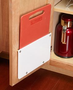 These 10 simple kitchen cabinet organization tips turn empty space in kitchen cabinet storage & drawers into storage for supplies & utensils. Organisation Hacks, Kitchen Organization, Kitchen Storage, Storage Organization, Door Storage, Storage Ideas, Cutting Board Storage, Diy Cutting Board, Kitchen Cabinet Drawers