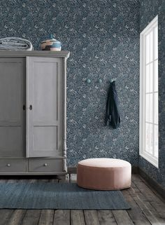 The wallpaper pattern Nocturne from Boråstapeter Nocturne from Sense of Silence is a blue green dark wallpaper in floral foliage style Decor, Home, Borastapeter, Home Remodeling, Interior, Bedroom Decor, Living Room Grey, House Interior, Scandinavian Wallpaper
