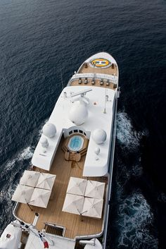 Mega yachts I am headed to the #FLIBS so more yacht pictures when it opens .Twitter@Successipes