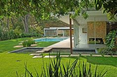 Win Lotto....Buy Singleton House designed by Richard Neutra | Plastolux