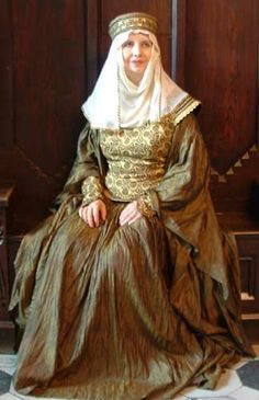 Early Medieval Clothing Frankish Women From The Time Of