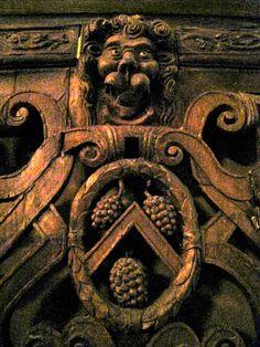 Chateau-Ecouen-Antichambre Madeleine de Savoie: Porte en chène (ECL20391)