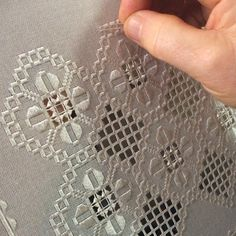 Hardanger Embroidery, Simple Life Hacks, Bargello, Needlework, Diy And Crafts, Projects To Try, Couture, Handmade, Instagram