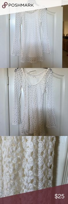 Gorgeous Roxy Lace Dress Stunning off white lace dress. Details are in the photos. Roxy Dresses Mini