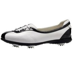 Expert Golf Tips For Beginners Of The Game. Golf is enjoyed by many worldwide, and it is not a sport that is limited to one particular age group. Not many things can beat being out on a golf course o Ladies Golf Clubs, Best Golf Clubs, Golf Basics, Golf Gps Watch, Womens Golf Shoes, Golf Training, Golf Lessons, Golf Gifts, Golf Accessories
