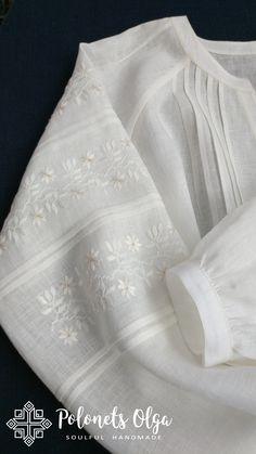Lace Top Dress, Chic Dress, Embroidery Suits Design, Embroidery Dress, Sewing Blouses, Estilo Hippie, Denim And Lace, Cut Shirts, Blouse Vintage