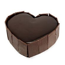 This Is Well Designed Heart Shape Cake With Chocolate Sponge inside and layers Filled Up with Chocolate With Chocolate Garnish On Sides To Make It Beautiful order delivery Delhi Noida. Romantic Gifts For Wife, Best Gift For Wife, Birthday Gift For Wife, Anniversary Gifts For Wife, Order Cakes Online, Cake Online, Online Gifts, Heart Shaped Cakes, Heart Cakes