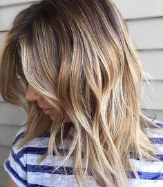Jolies vagues naturelles #lookdujour #ldj #ombre #blonde #hair #hairstyle #hairinspo #waves #wavyhair #beachwaves #bobcut #bob #pretty #regram @prettylittleombre
