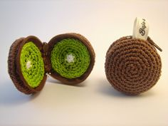 Bajo una seta: Monederos frutales